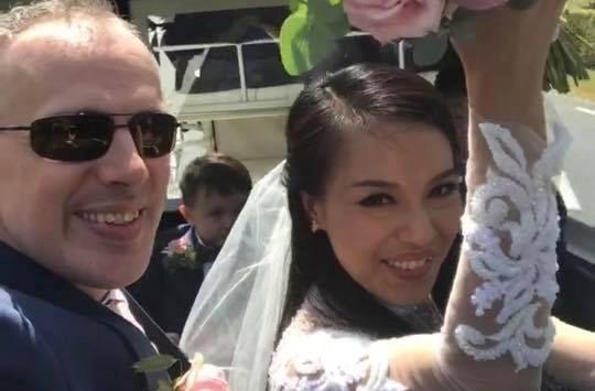 """Lý Thanh Thảo """"Mùi ngò gai"""" và chồng Tây tổ chức lễ cưới ở Hà Lan"""