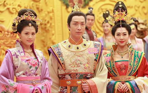 """TVB bị chế nhạo vì cảnh làm phim """"nghèo bền vững"""""""