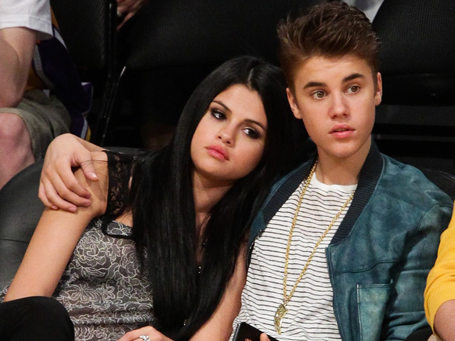 Selena Gomez phản ứng ra sao trước tin Justin Bieber đính hôn?