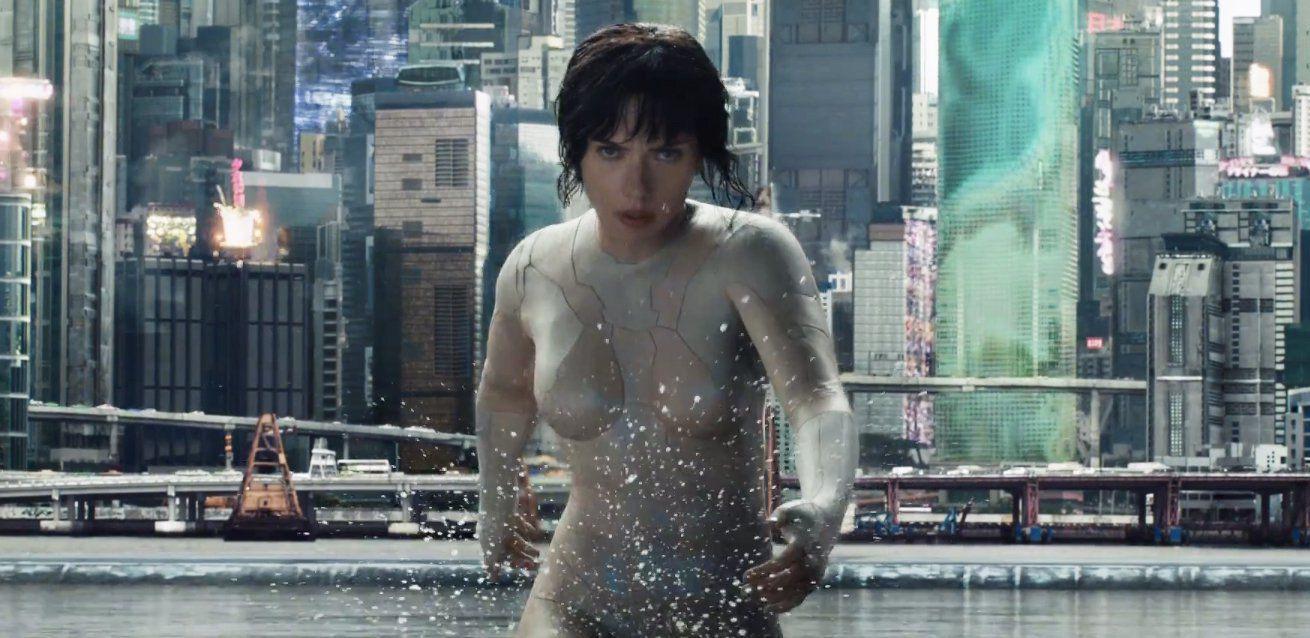 Kiều nữ Scarlett Johansson bỏ vai vì bị cộng đồng LGBT chỉ trích