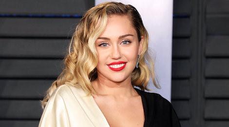 Miley Cyrus học Taylor Swift xóa sạch Instagram, chuẩn bị ra album?