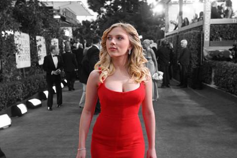 Scarlett Johansson vì đâu bỏ vai chuyển giới gây tranh cãi?