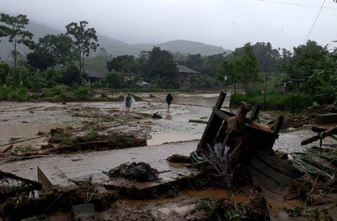 Mưa lũ làm 3 người chết và 11 nạn nhân mất tích ở Yên Bái