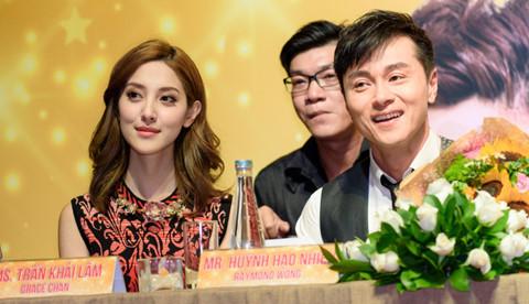 Gia đình buồn phiền khi hoa hậu Hong Kong cưới tài tử U50