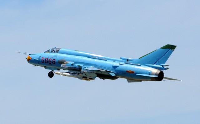 Máy bay Su-22 rơi ở Nghệ An, 2 phi công hy sinh