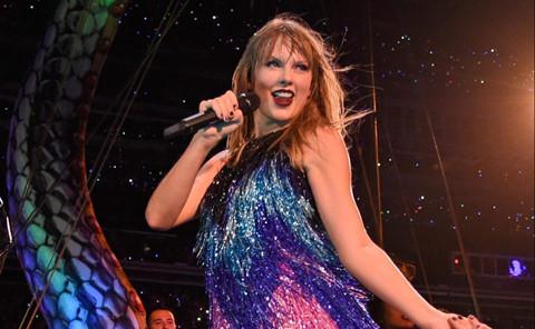 Trận Man City gặp Liverpool suýt bị hoãn vì show diễn của Taylor Swift