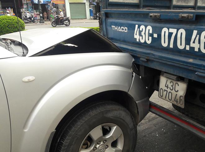 Tránh cô gái ngã xuống đường, 3 ô tô tông liên hoàn trước hầm chui