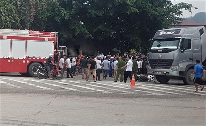 Va chạm với xe container tại góc cua, người phụ nữ tử vong