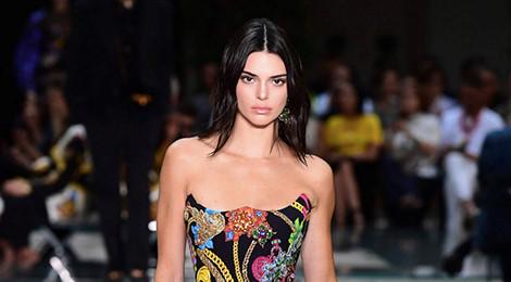 Lý do Kendall Jenner vắng bóng trên sàn diễn thời trang
