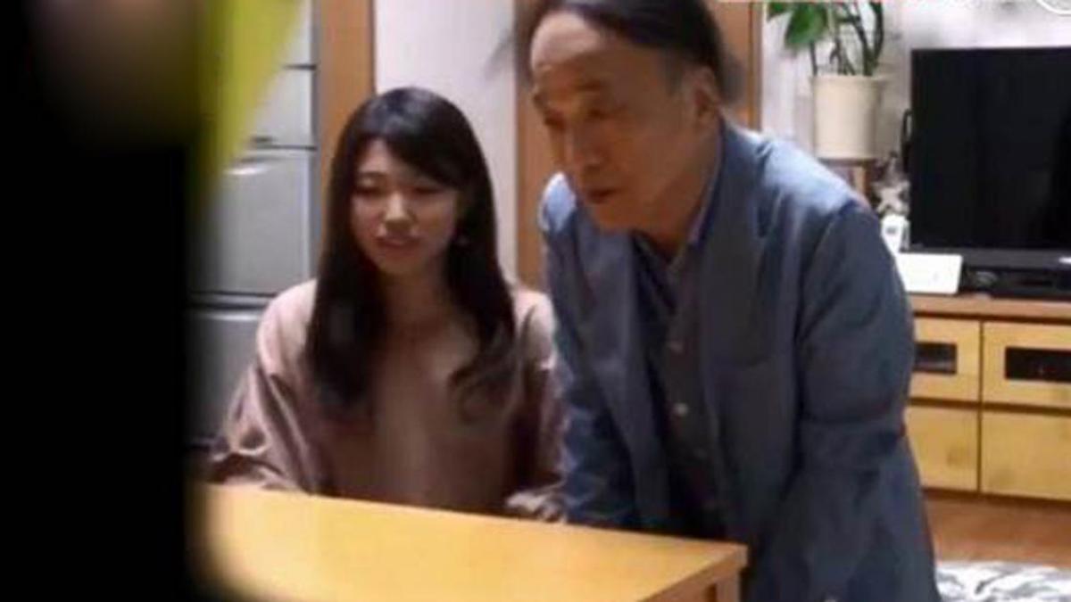 Cô gái khiến bố mẹ hoảng hồn khi dắt bạn trai 70 tuổi về ra mắt