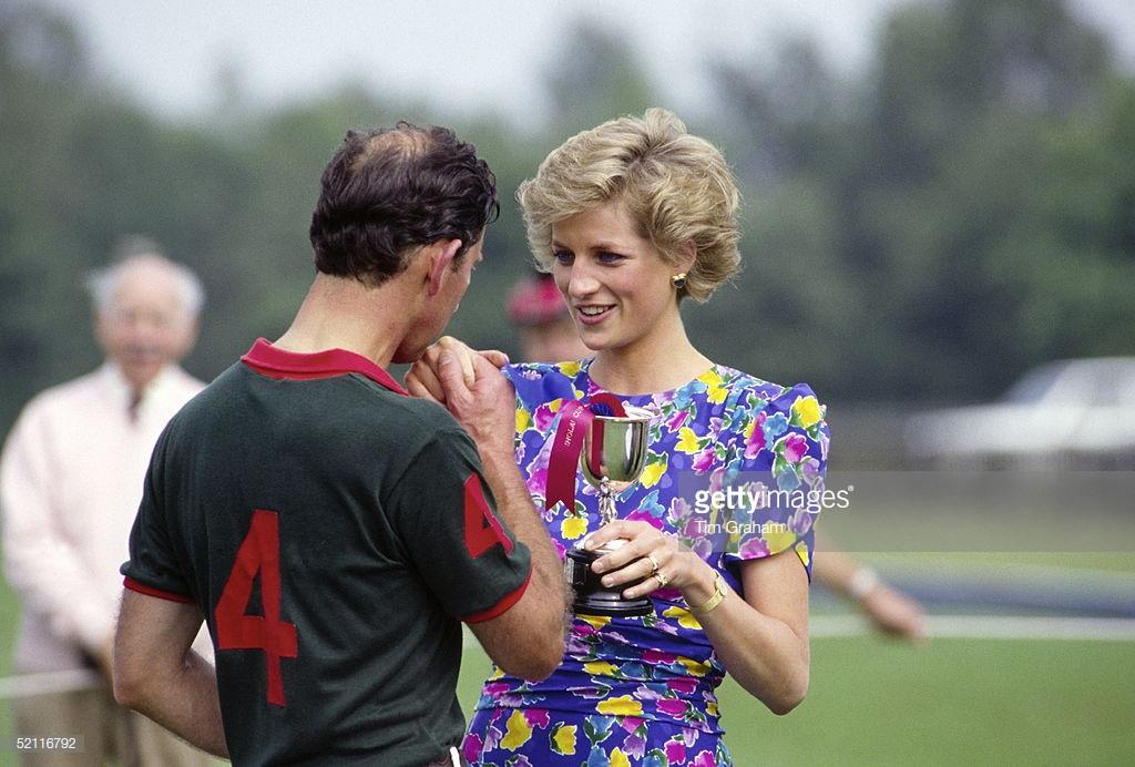 Những ngôi sao chịu ảnh hưởng thời trang từ Công nương Diana