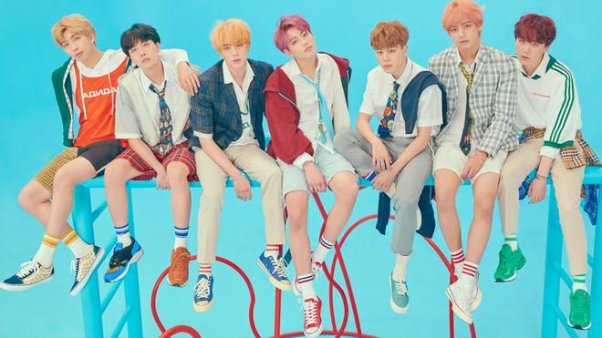 Tổng thống Hàn Quốc chúc mừng BTS đạt No.1 Billboard 200 lần thứ 2