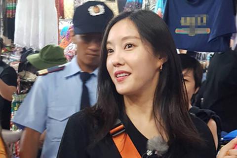 Hyomin (T-ara) bị mắng xối xả khi trả giá ở chợ Bến Thành