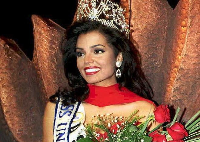 Cựu Hoa hậu Hoàn vũ qua đời ở tuổi 45 vì ung thư