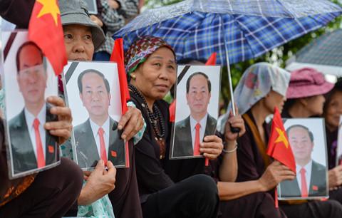 Người dân quê nhà đón Chủ tịch nước Trần Đại Quang về đất mẹ