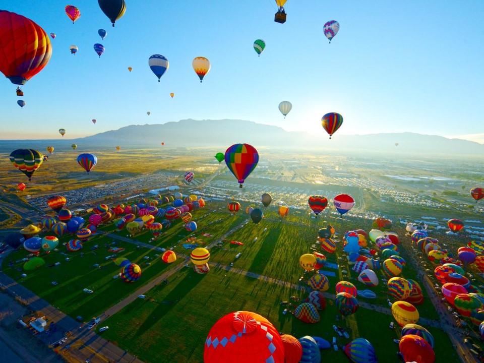 13 điểm đến tuyệt đẹp trên thế giới trong tháng 10 năm nay