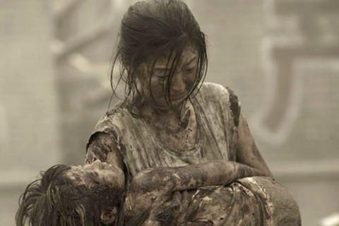 Những câu chuyện xúc động tận tâm can trong phim thảm họa
