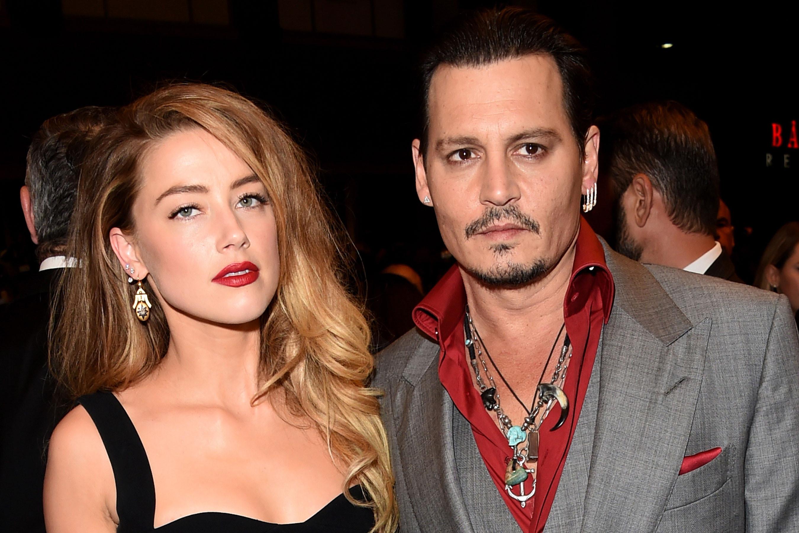 Johnny Depp và vợ cũ Amber Heard tiếp tục lời qua tiếng lại