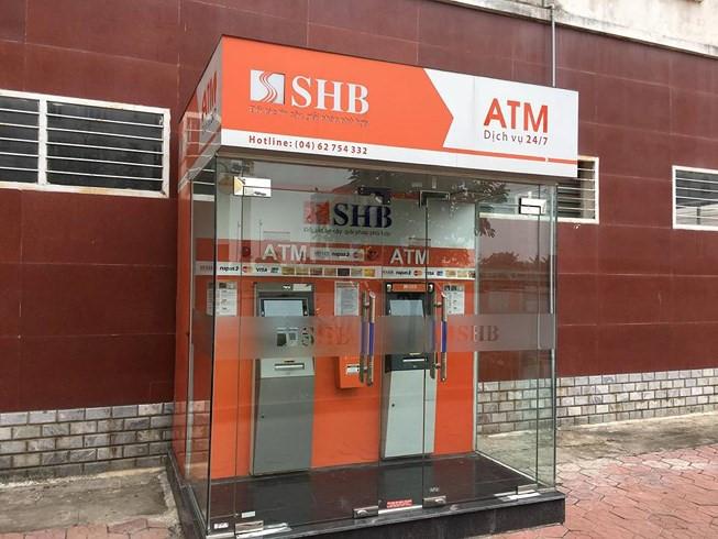 Tháo gỡ 10 thỏi nghi thuốc nổ đặt trong cây ATM