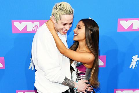 Ariana Grande hủy hôn ước với Pete Davidson