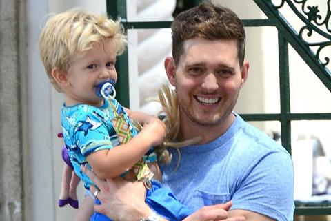 Michael Bublé tuyên bố giải nghệ để chăm con trai 5 tuổi bị ung thư