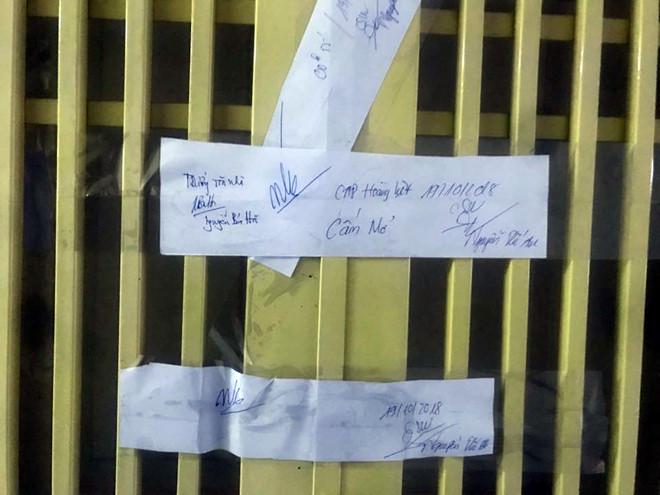 Cảnh sát niêm phong căn hộ chung cư sau vụ bé sơ sinh tử vong