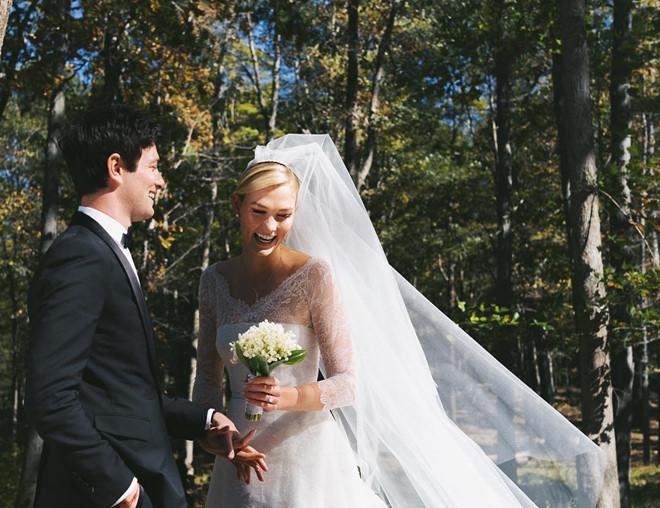 Siêu mẫu Karlie Kloss làm đám cưới với em chồng Ivanka Trump