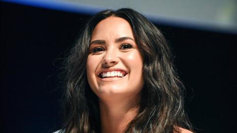 Demi Lovato phục hồi sức khỏe sau 3 tháng điều trị vì shock ma túy