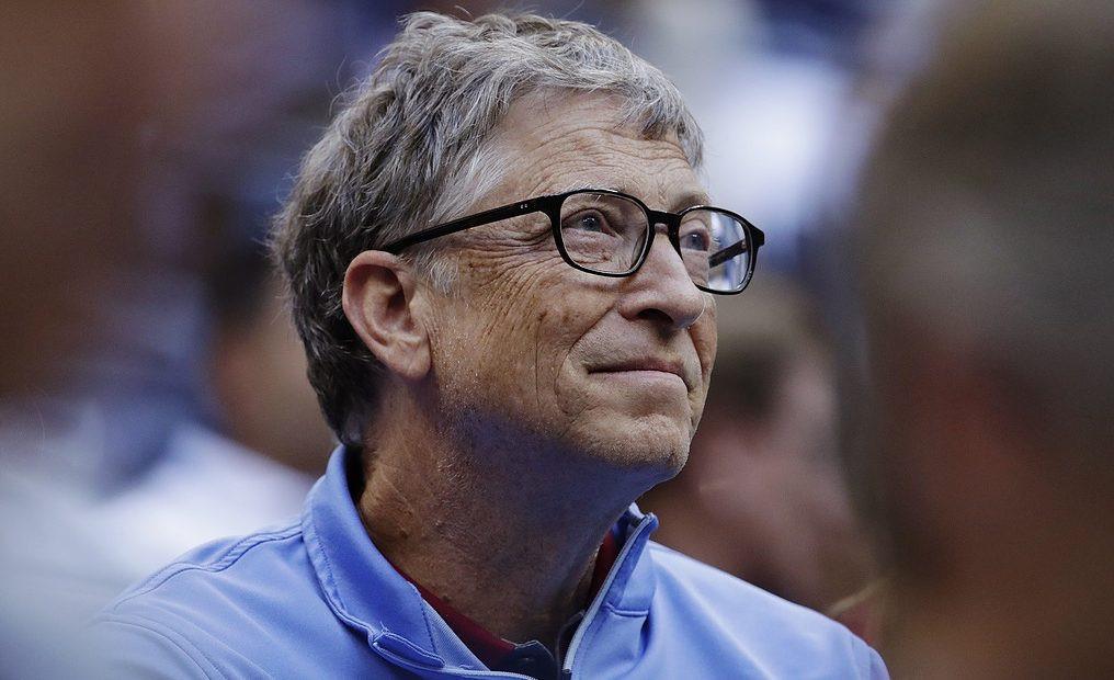 """Bill Gates: """"thuế robot"""" sẽ giúp con người không bị cướp việc"""