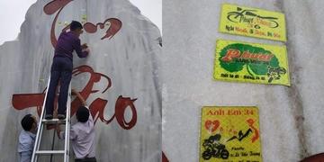 Nhóm phượt thủ dán chằng chịt logo nhóm, sticker lên tảng đá Tam Đảo