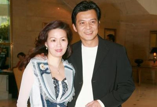 """""""Ngũ hổ tướng"""" Huỳnh Nhật Hoa gặp khó khăn khi vợ tái phát ung thư"""