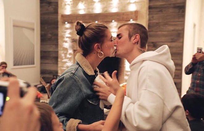 Hailey Baldwin đón sinh nhật cùng gia đình Justin Bieber