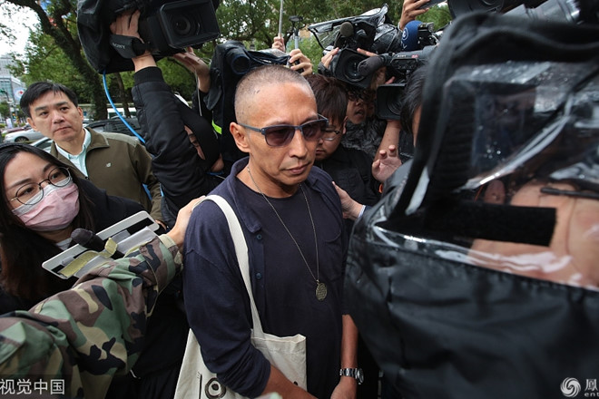 """Tài tử """"Bao Thanh Thiên"""" tới đồn cảnh sát sau cáo buộc cưỡng hiếp"""