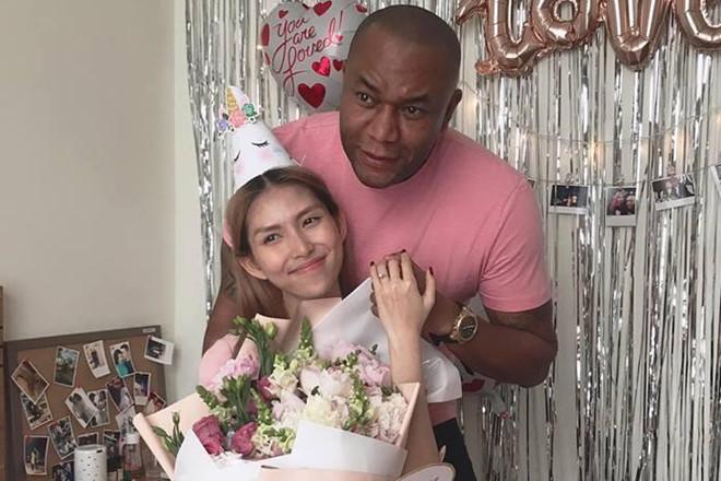Thùy Dương Next Top được bạn trai cầu hôn ở tiệc sinh nhật