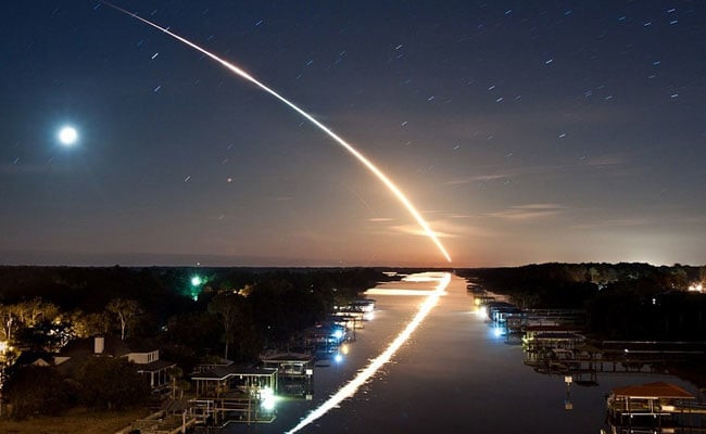 Một thiên thể sẽ rơi xuống Trái Đất và phát nổ vào tháng 6/2019?