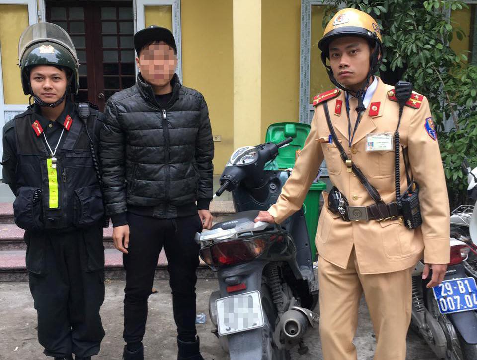 Cảnh sát phá án ma túy khi kiểm tra thanh niên chạy xe SH
