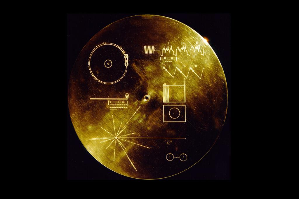 Đĩa Vàng tàu Voyager - bức tâm thư nhân loại gửi đến vũ trụ