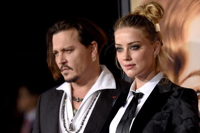 """Vợ cũ nói Johhny Depp đa nhân cách, có lúc biến thành """"con quỷ"""""""