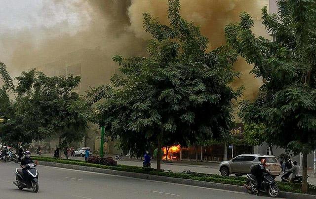 Quán cháo cháy rụi sau vụ hỏa hoạn gần một giờ