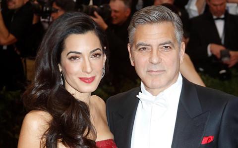Rộ tin tài tử George Clooney ly hôn vợ luật sư kém 17 tuổi