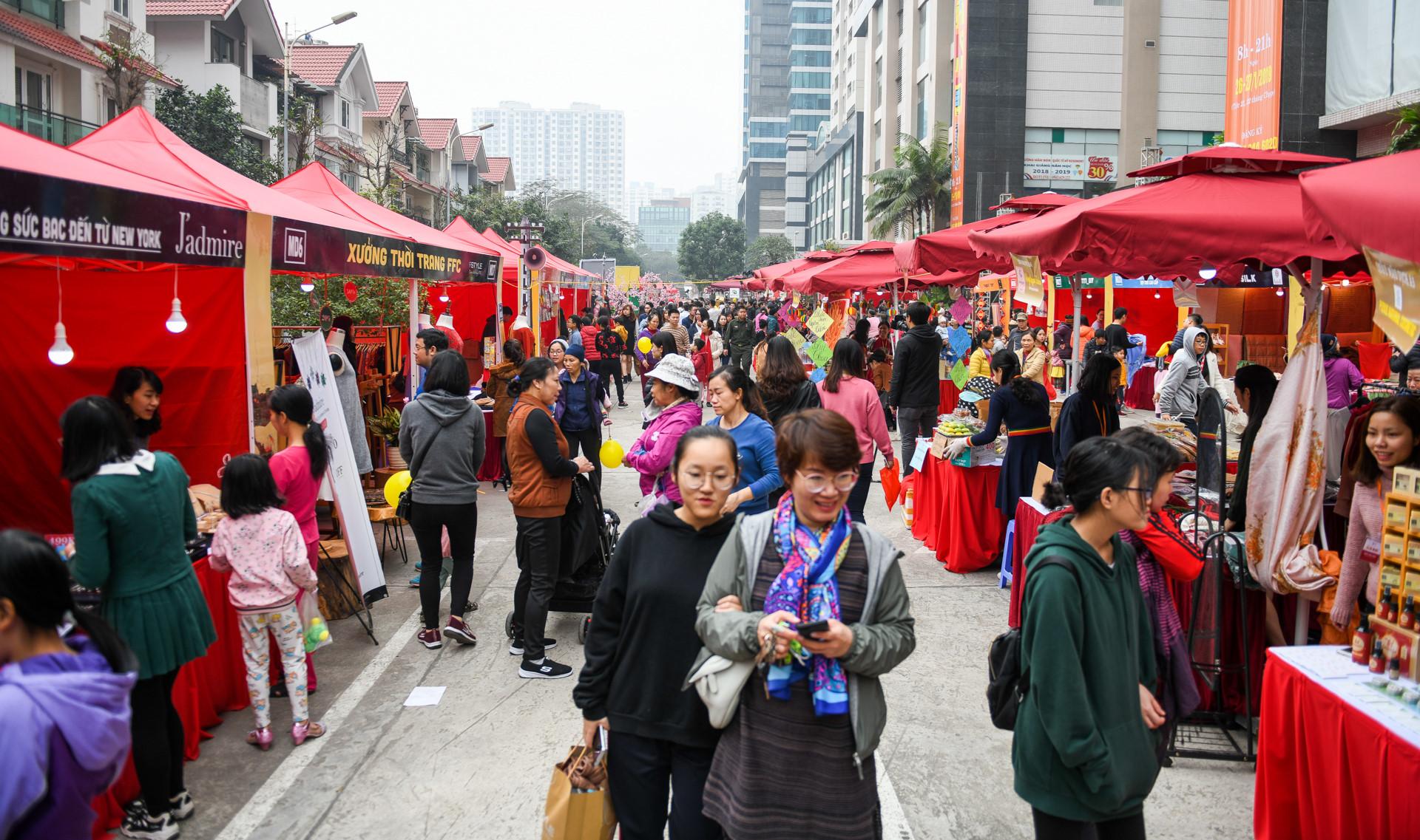 Tái hiện chợ Tết thời bao cấp ở Hà Nội