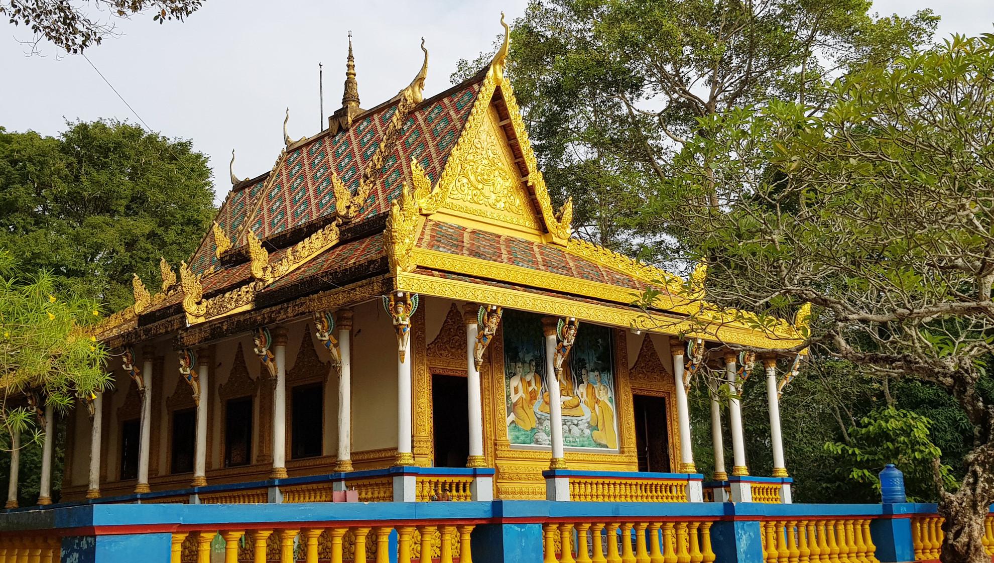 Ngôi chùa duy nhất có mộ heo 5 móng ở miền Tây