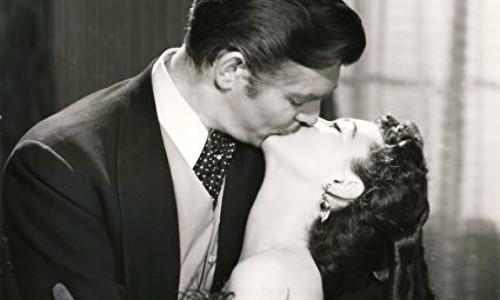 """""""Cuốn theo chiều gió"""" và sự thật bẽ bàng sau nụ hôn kinh điển"""