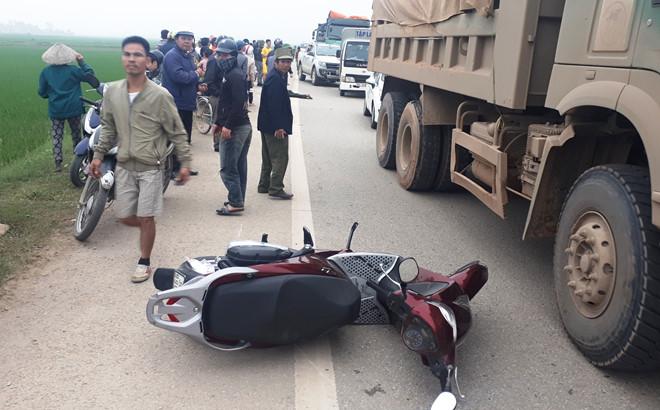 Tài xế lái ô tô bỏ trốn sau tai nạn với xe SH khiến 2 người chết