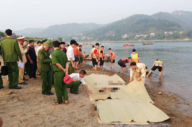 8 học sinh chết đuối trên sông Đà
