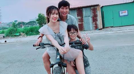 """Lý Hải, Minh Hà cùng 4 con sống như """"nông dân"""" trong biệt thự mới mua"""