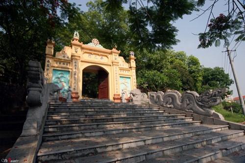 Những ngôi chùa cổ không thu công đức, thâm nghiêm gần Hà Nội
