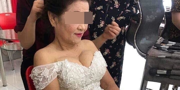 Hình ảnh cô dâu 74 tuổi mặc váy cưới gây sốc cộng đồng mạng