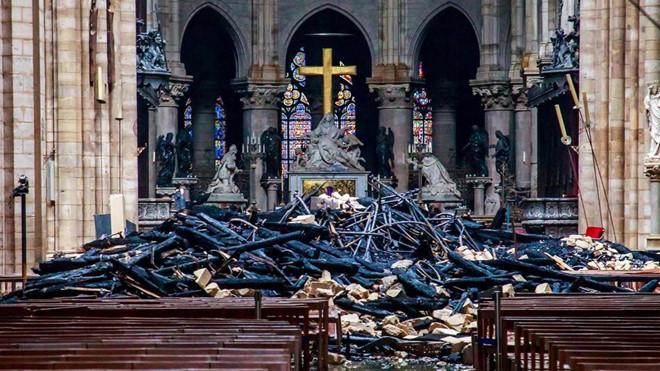 Ba đại gia Pháp chi 700 triệu USD khôi phục Nhà thờ Đức Bà Paris