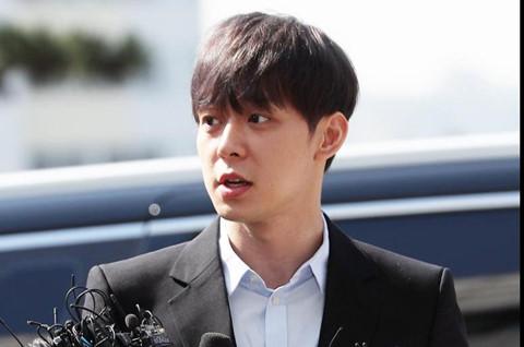 Park Yoo Chun chính thức giải nghệ sau kết quả dương tính với ma túy